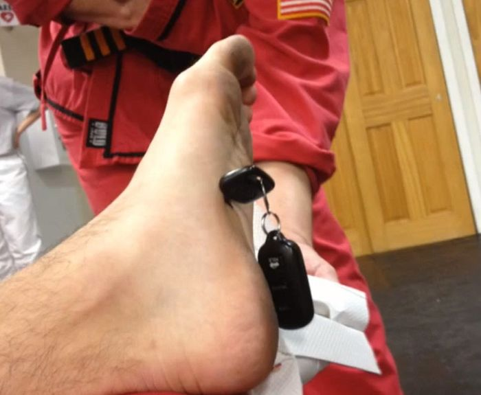 Guy Nails Car Key in the Foot in Karate Class (11 pics + video)