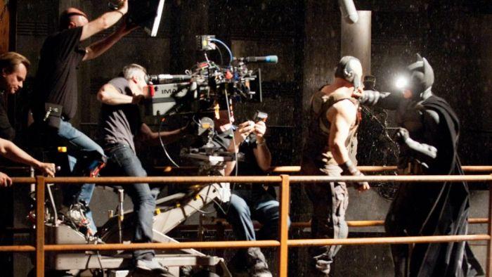 Batman vs Bane - Behind the Scenes (45 pics)