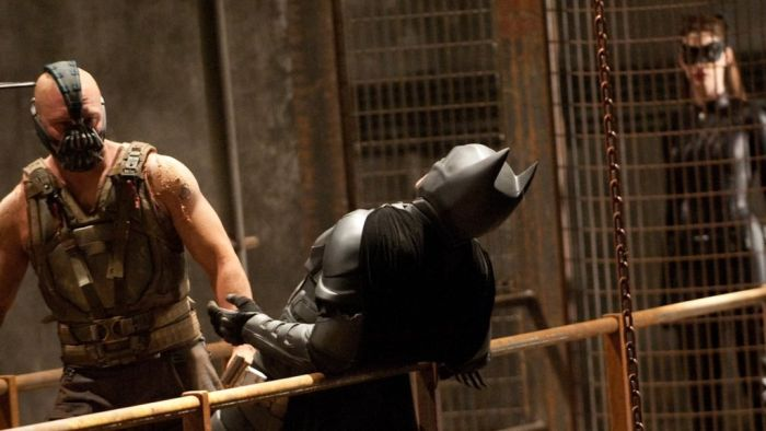 Batman vs Bane - Behind the Scenes (45 pics)