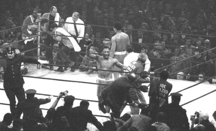 Joe Frazier vs Muhammad Ali (20 pics)