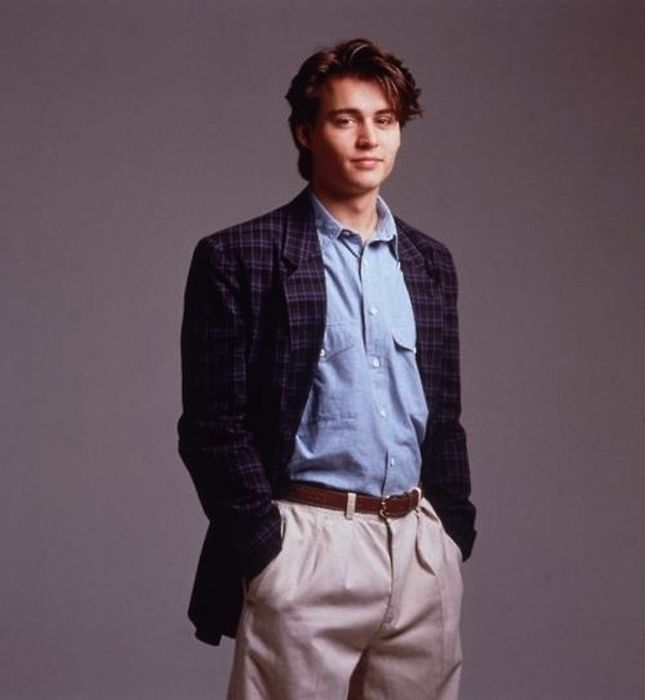 Photos of Young Johnny Depp (25 pics)