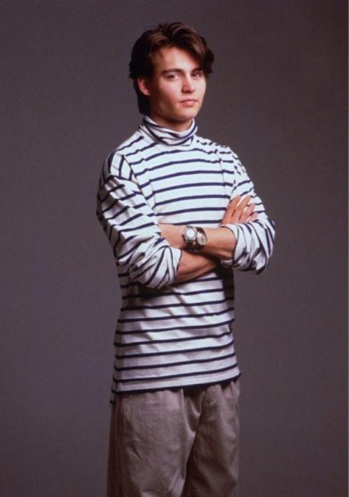 Photos of Young Johnny Depp (25 pics)