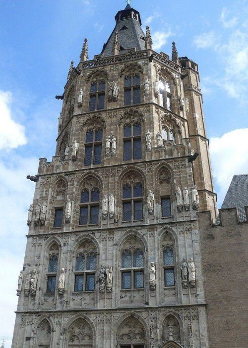 Old City Hall of Cologne Has Its Secrets (6 pics)