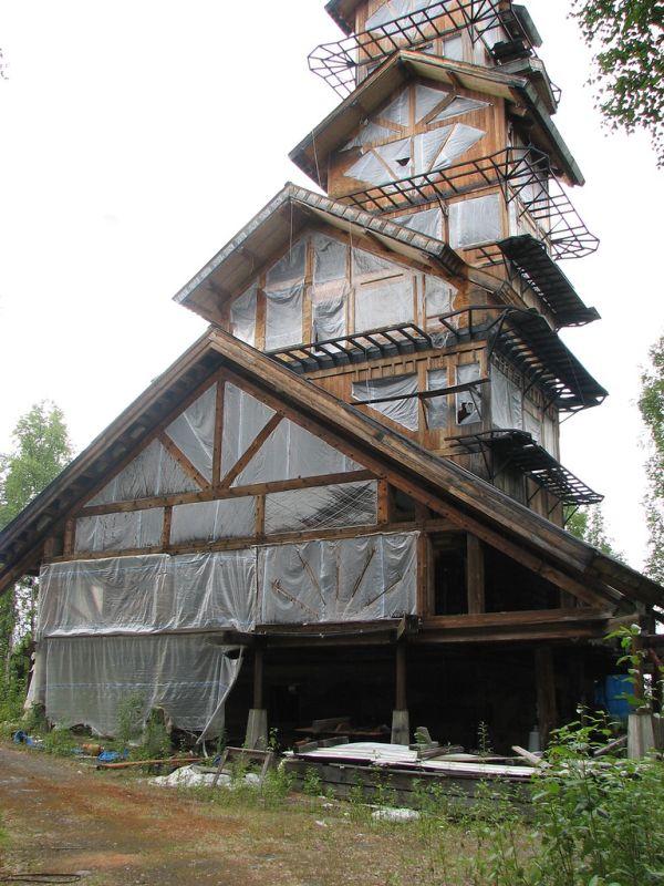 Dr. Seuss House in Alaska (9 pics)