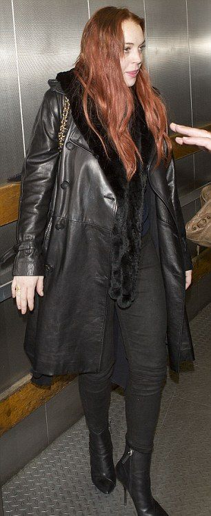 Lindsay Lohan Looks Bad (7 pics)
