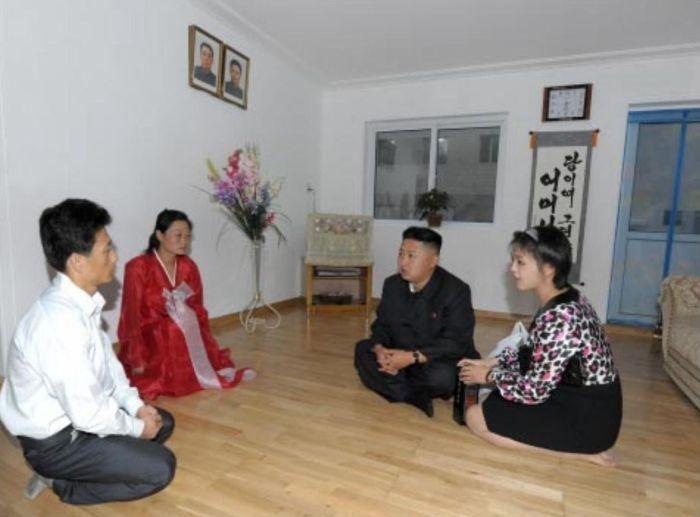 Propaganda Apartments in North Korea (10 pics)
