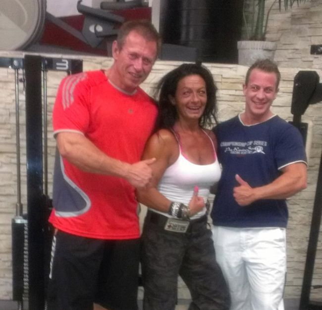 Female Bodybuilder Caroline Wang (30 pics + video)