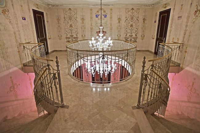 Homes of the Rich Russians (150 pics)