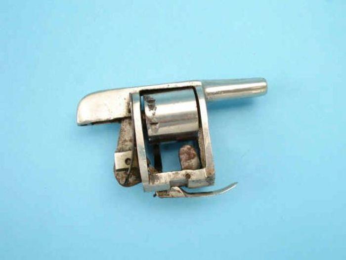 Flashlight Gun (5 pics)