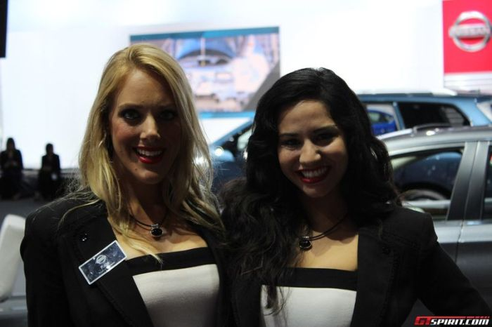 Girls of LA Auto Show (36 pics)