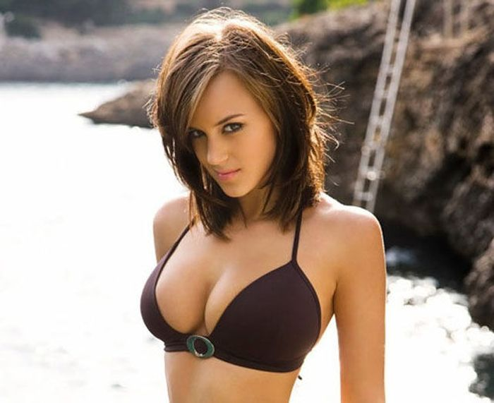 Sexy Girls (37 pics)