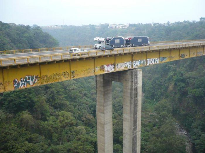 Extreme Graffiti Artists (6 pics)