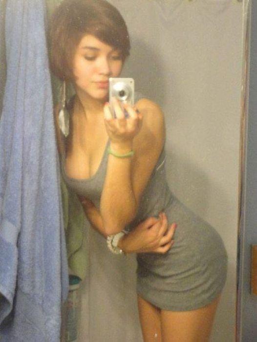 Pretty Girls in Tight Dresses (50 pics)