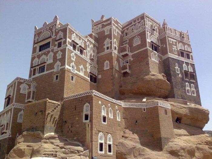 Dar al-Hajar (16 pics)