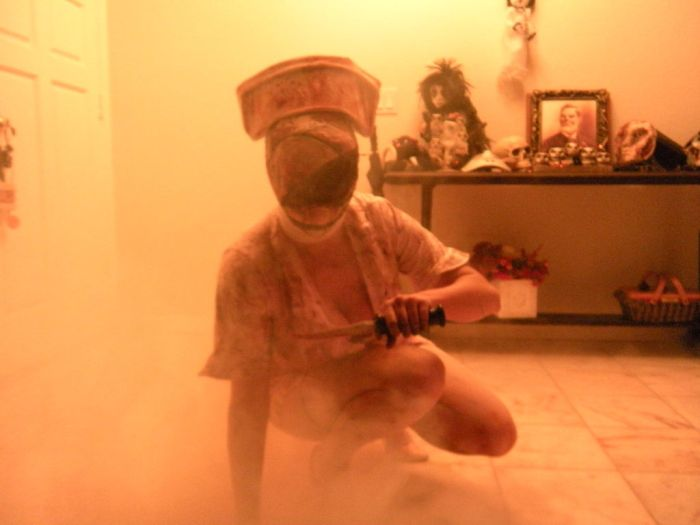 DIY Silent Hill Nurse Costume (16 pics)