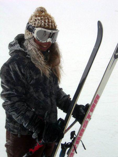 Sexy Ski Girls (75 pics)