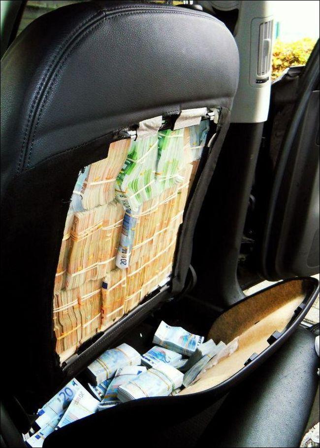1.8 Million Euro Inside Car Seats (4 pics)