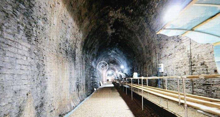 What is Hidden Inside an Abandoned Railroad Tunnel (7 pics)