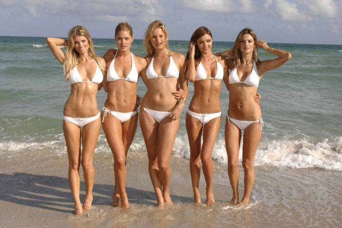 Group Photos of Sexy Girls (102 pics)