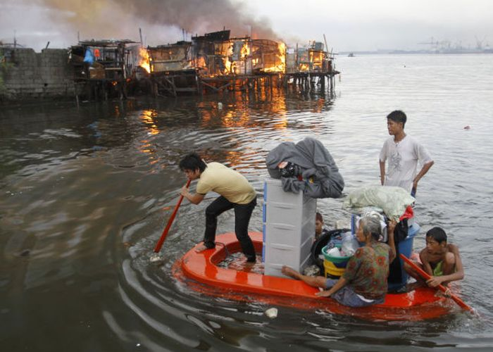 Best Photos of the Year 2012 According to Reuters (80 pics)