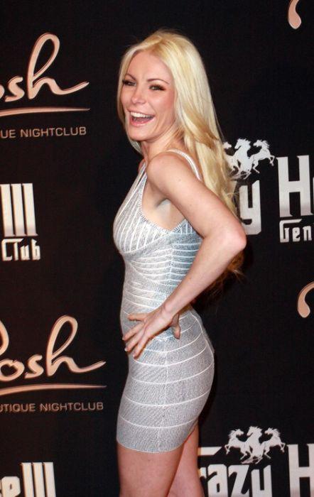 Hugh Hefner Marrying Crystal Harris This Month (35 pics)
