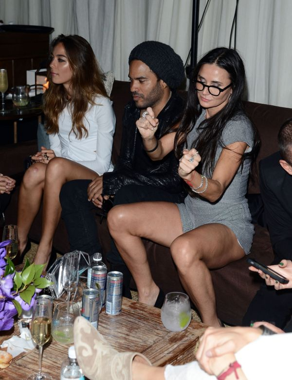 Demi Moore Partying in Miami (8 pics)