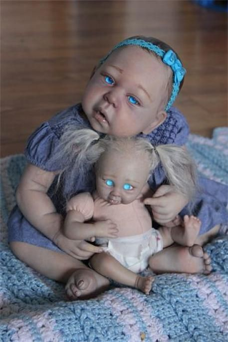 Vampire Dolls (10 pics)