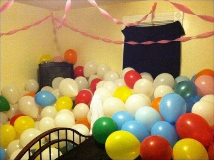 Balloon Prank (15 pics)