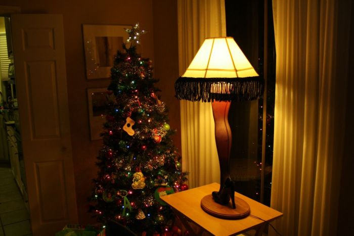diy christmas story leg lamp 42 pics. Black Bedroom Furniture Sets. Home Design Ideas