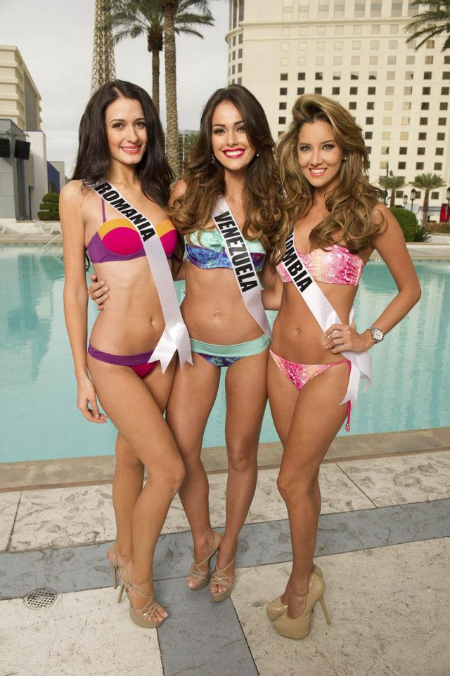 Miss Universe 2012 Bikini Photos (24 pics)