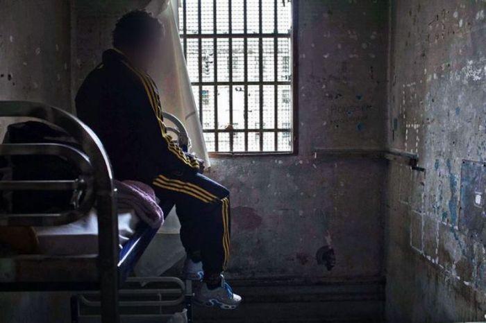 Baumettes Prison (20 pics)