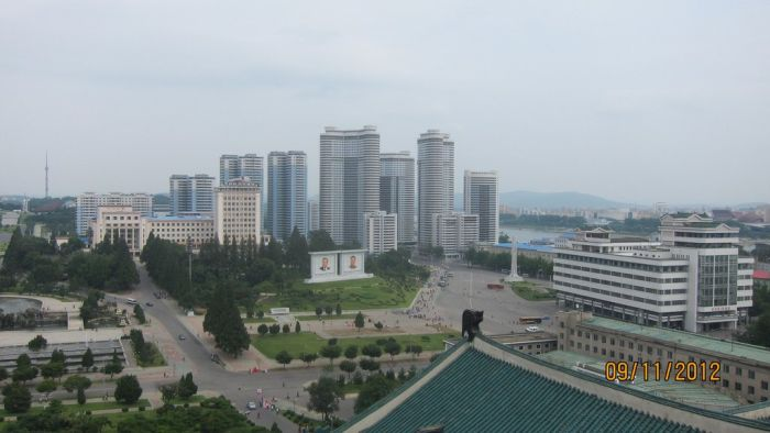 Visiting North Korea (44 pics)