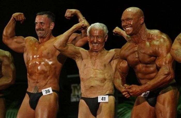 84-Year-Old Weightlifter Ray Moon (9 pics)