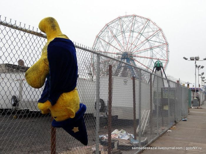 Coney Island 40 Days After Hurricane Sandy (50 pics)