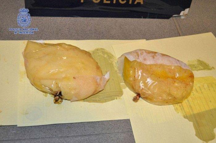 Cocaine Tits (2 pics)