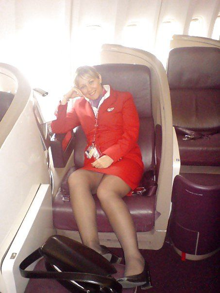 Female Flight Attendants (36 pics)