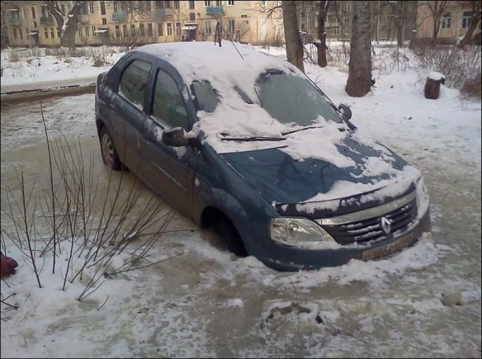 Ice Parking in Russia (3 pics)