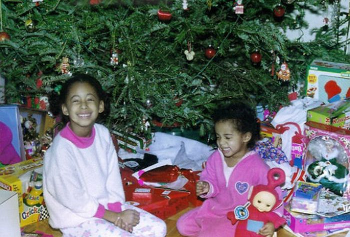 Happy Children On Christmas Morning (23 pics)