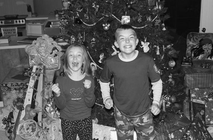 Happy Children On Christmas Morning (23 pics)