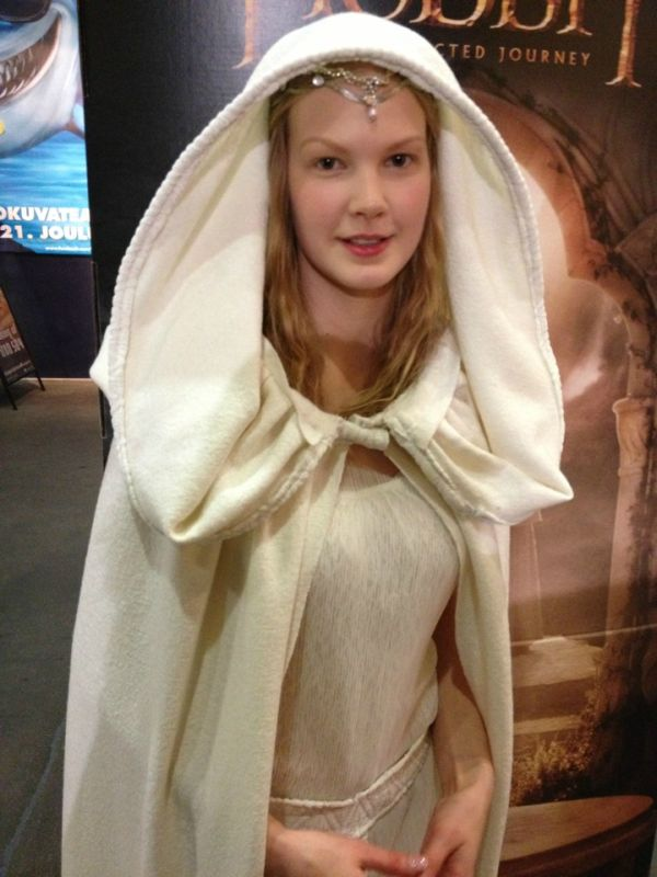 Costume for The Hobbit Premier (7 pics)