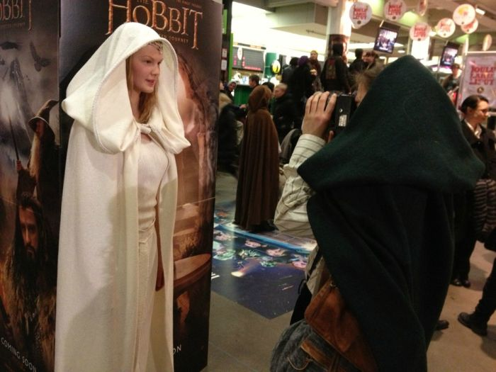 Costume for The Hobbit Premier (7 pics)