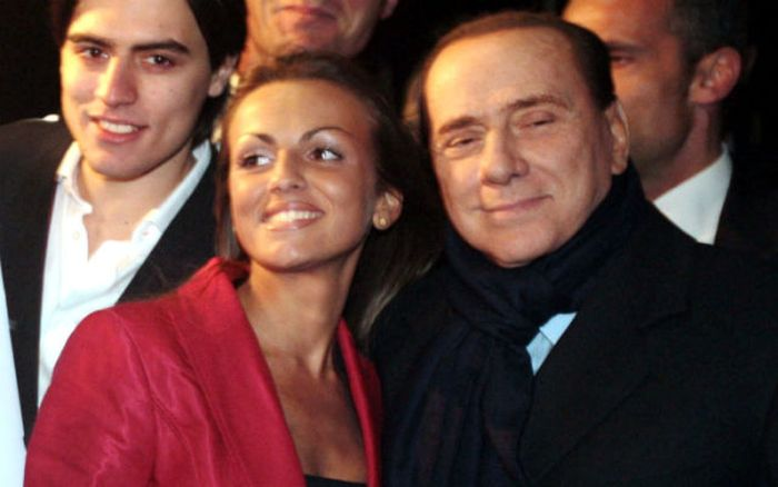 Photos of Francesca Pascale, Berlusconi's Bride (18 pics)