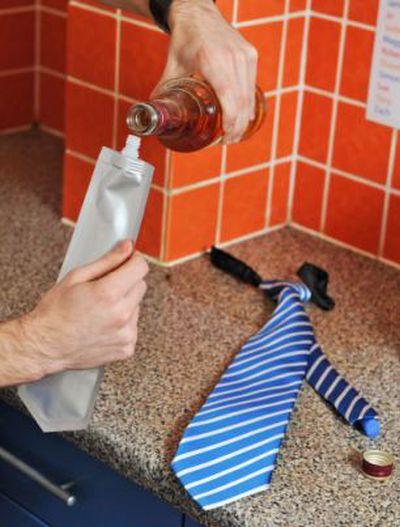 Flask Tie (4 pics)