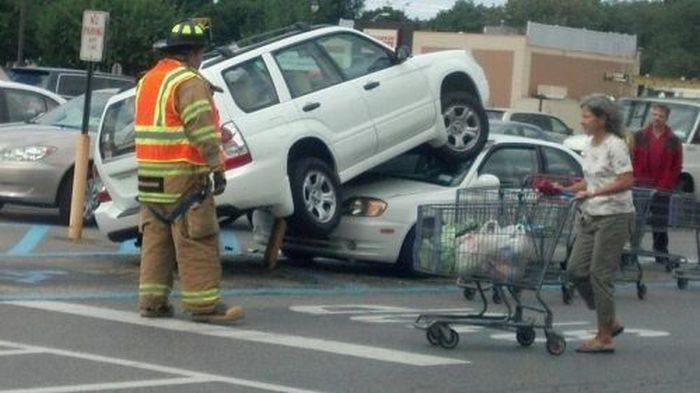 Crashes and Stuff (29 pics)