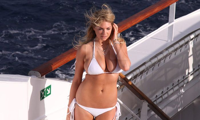 Kate Upton in Bikini for Antarctic Photo Shoot (11 pics)