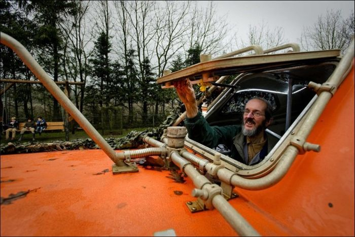 Dutch Man Prepares Ark for Dec. 21, 2012 (7 pics)