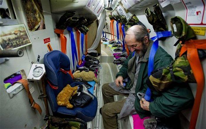 Dutch Man Prepares Ark for Dec. 21, 2012 (7 pics)
