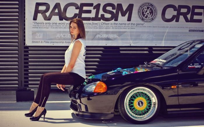 Girls and Cars (80 pics)