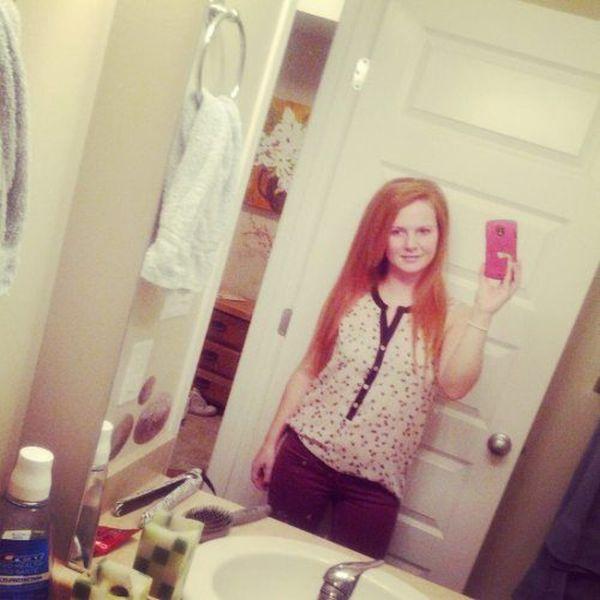 Hot Girl Mirror Self Shots (38 pics)