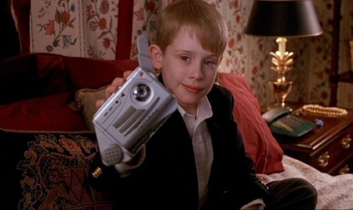 """Why """"Home Alone 2"""" Is Better Than The Original (24 pics)"""